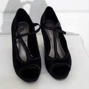 Wedge black faux suede shoes by Impo sz 6.5 M